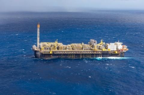 Preço do petróleo preocupa governadores