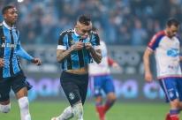 Grêmio fica no empate com o Bahia e é vaiado
