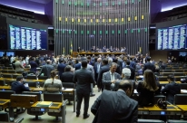 Câmara rejeita votação parcelada por 299 votos a 43, com 2 abstenções