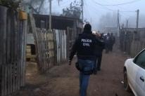 Polícia Civil faz ação contra o tráfico de drogas na Vila Nazaré, em Porto Alegre