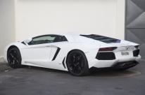 Lamborghini e Porsche de Eike são leiloados
