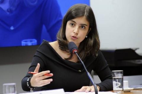 'A boa política não pode ser dogmática', reage Tabata Amaral, cobrada por votar pela reforma