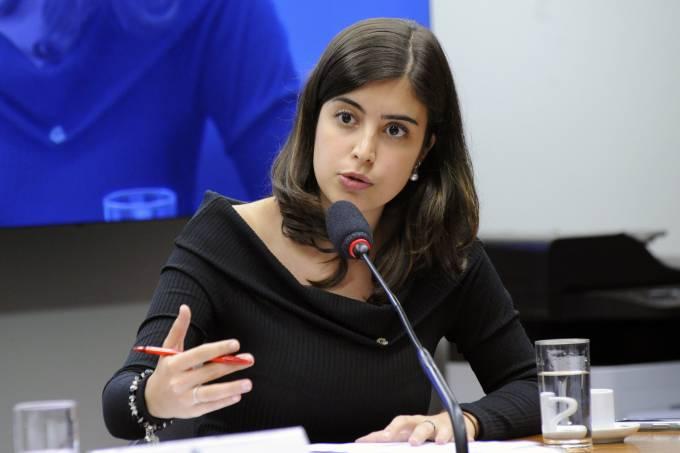 Líderes discutem penas alternativas contra Tabata Amaral e os deputados que apoiaram a reforma