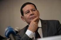 Mourão minimiza pólvora de Bolsonaro: 'acho que se referiu a aforismo antigo'