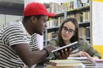 Voluntários instituem projeto de integração a imigrantes