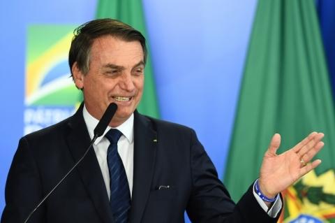 Após críticas a Inpe, Bolsonaro diz que instituto terá novos dados sobre desmatamento