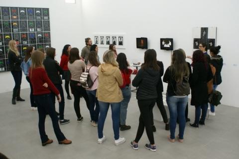 Lançamento de catálogo marca encerramento da exposição de Claudio Goulart