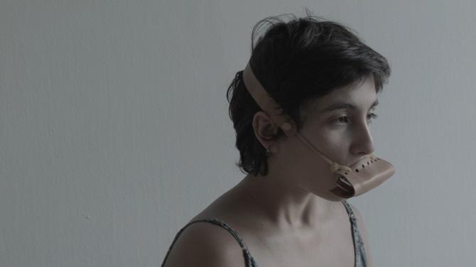 Artista curitibana Gio Soifer participa de exposição 'Devir Ciborgue' com obra 'Harmônica'