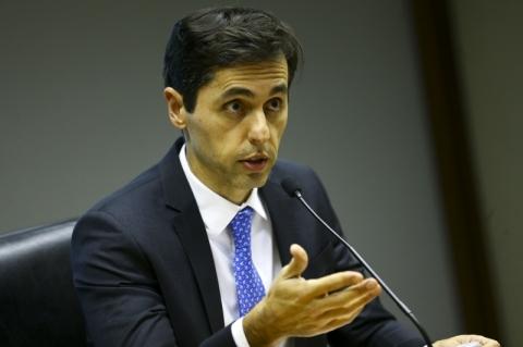 Dívida pública deverá fechar ano acima da meta de R$ 4,9 trilhões