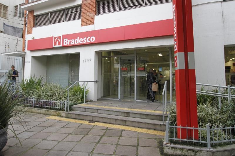 Caixa e Bradesco brigam pela liderança dos financiamentos imobiliários