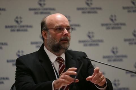 Cresce a remessa de dólares feita por brasileiros no exterior, informa Banco Central