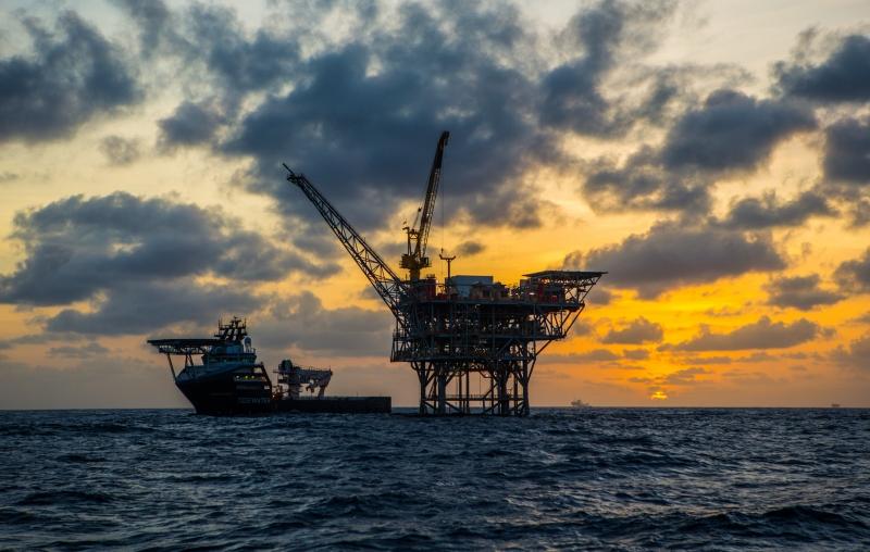 O Brent para fevereiro recuou 0,56% (US$ 0,28), a US$ 49,97 o barril