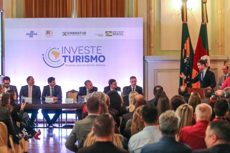Investe Turismo reúne diversos agentes e é estruturado no apoio a negócios, crédito, marketing e serviços