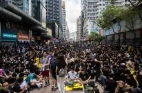 Protestos provocam caos no transporte em Hong Kong