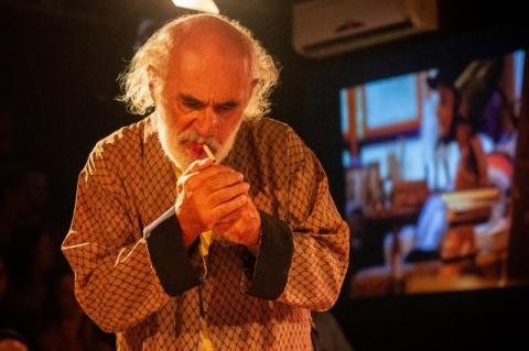 Sarau Bukowski anima as quintas-feiras no Estúdio Stravaganza