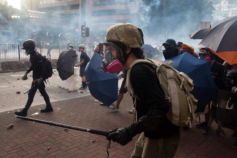 No ano passado, ocorreram distúrbios antigovernamentais, contra a retirada de autonomia da cidade