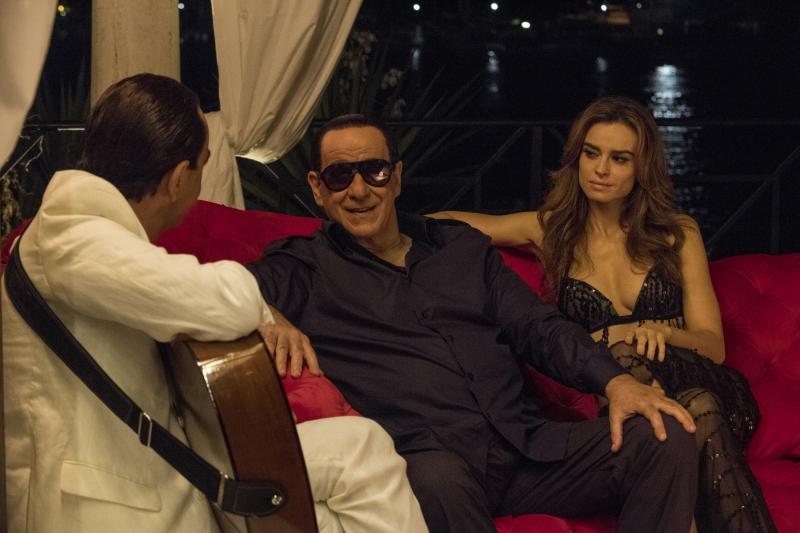 Toni Servillo como Silvio Berlusconi em 'Silvio e os outros', um dos destaques do festival