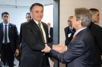 Na presença de Bolsonaro, Fenabrave critica venda direta com preço menor