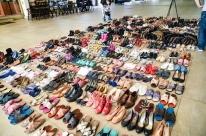 Iniciativa arrecada 500 pares de calçados para doação