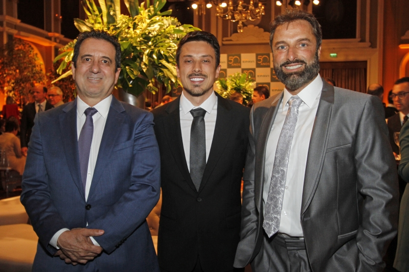 NEGÓCIOS - Legenda 5: Eduardo Bitello, Marcos Tolentino e Michael Soares no evento do Grupo Marca