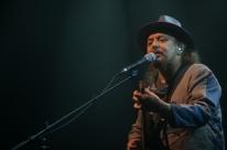 Geraldo Azevedo faz show no Teatro do Bourbon Country