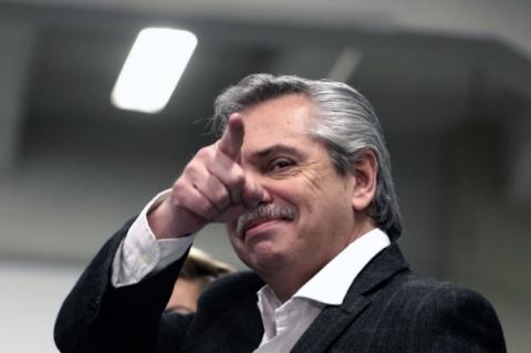 Oposição obtém 47% dos votos e vence primárias argentinas