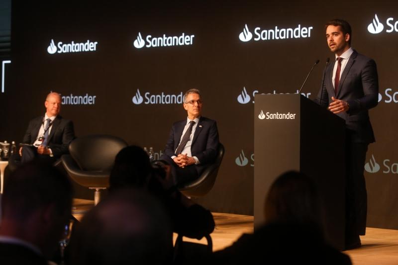 Governador palestrou em evento que reuniu 500 empresários
