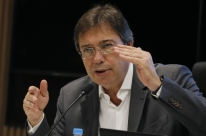É preciso alinhar Senado antes de enviar projeto de privatização, diz chefe da Eletrobras