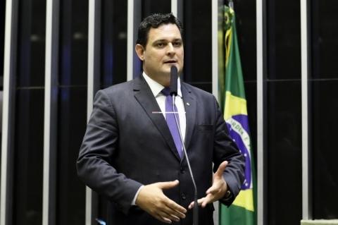 'Para universalizar saneamento, é preciso R$ 600 bilhões', diz relator