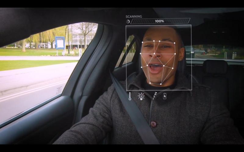 O sistema escaneia as expressões faciais do condutor para determinar seu estado de espírito