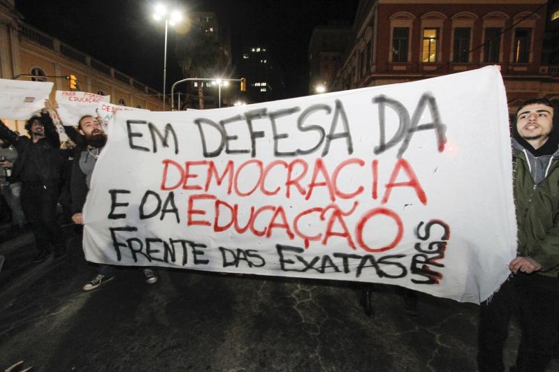 Porto Alegre foi uma das 48 cidades que aderiram às manifestações