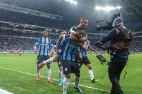 Grêmio faz 2 a 0 e fica perto da final