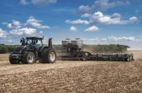 Escassez de aço e pneu desacelera a entrega de máquinas no campo