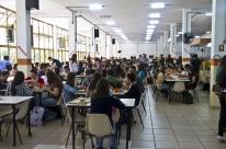 Sem dinheiro, universidade gaúcha corta suco nos restaurantes universitários