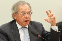Dei carta branca para Guedes e chefe do BC tratarem de dólar, diz Bolsonaro