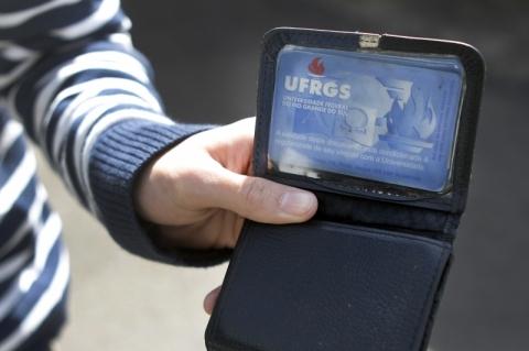Emissão de carteirinhas de estudantes é normalizada na Ufrgs