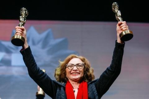 Marcélia Cartaxo brilha em Gramado como melhor atriz por 'Pacarrete'