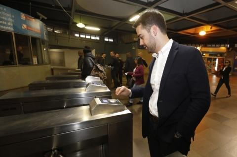 Governador vai de Trensurb à Expointer para dar exemplo de mobilidade