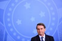 Bolsonaro volta a pregar soberania da Amazônia e a criticar Macron