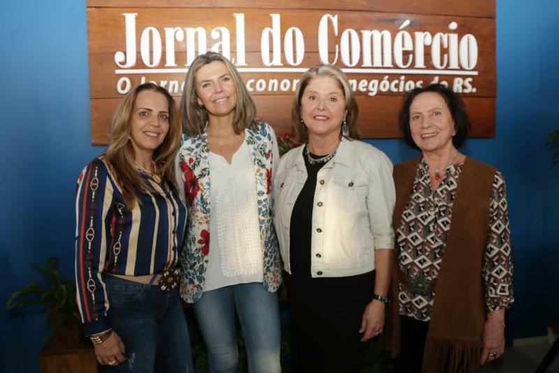 As produtoras rurais Shirlei Souza, Suzana Caetano Fantin, Zênia Aranha da Silveira e Lenira de Lopes Almeira Uriadart