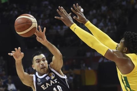 Com grande reação, Brasil bate Grécia e avança à 2ª fase no Mundial de Basquete