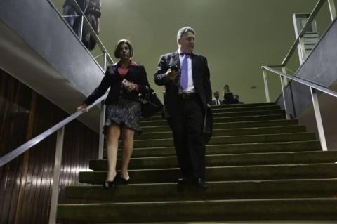 Justiça revoga prisão de Rosinha e Garotinho