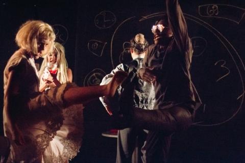 Peça 'A cantora careca' é atração na Sala Qorpo Santo da Ufrgs