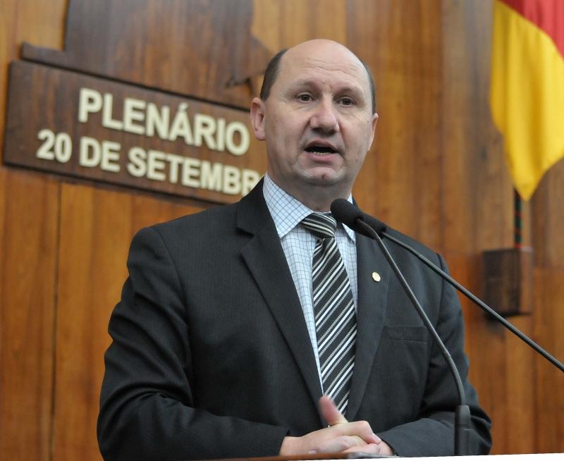 Projeto do deputado estadual Elton Weber regulariza a atividade de 1.552 bombeiros voluntários no Rio Grande do Sul