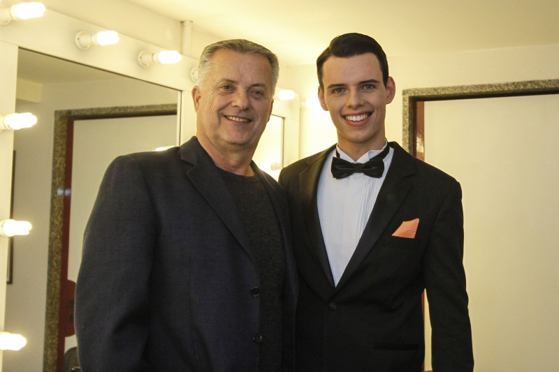 Artur Bing com o filho e cantor Gustavo Bing