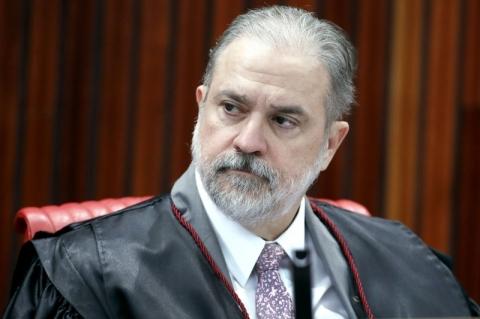 Indicado para a PGR, Aras começa a procurar senadores em busca de apoio