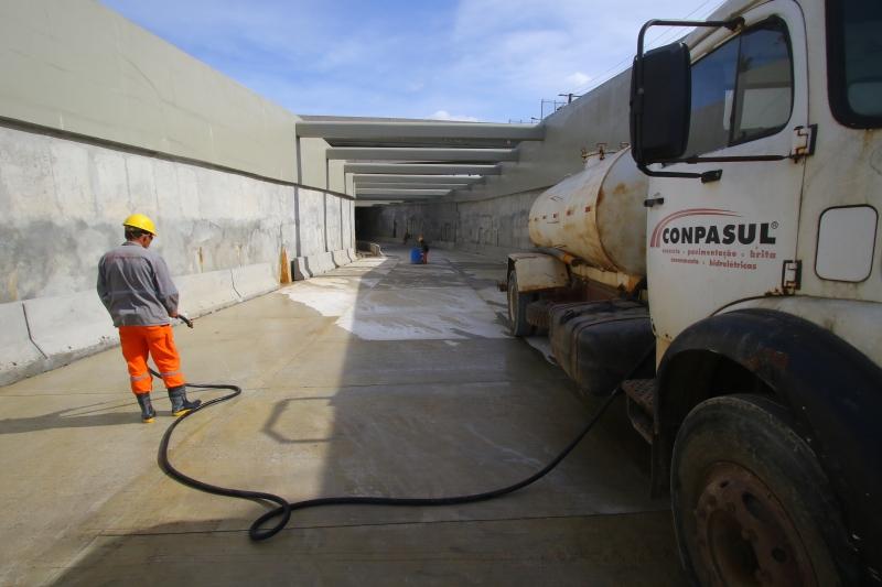 Previsão é finalizar a obra, liberando o trânsito na entrada da Capital, até o fim de outubro