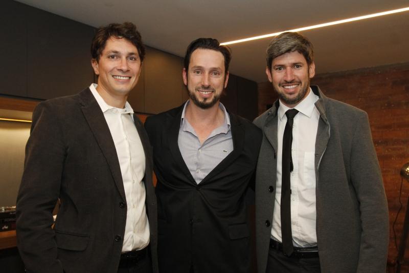 Roberto Tomasetto, Sandro Tomasetto e Romeu Tomasetto recepcionaram os convidados