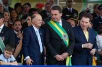 Bolsonaro abre desfile da Independência com Silvio Santos e Edir Macedo