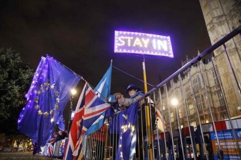 Johnson rejeita prorrogar prazo para o Brexit
